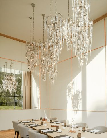 custom-lighting-contemporary-chandeliers-bespoke-lighting design